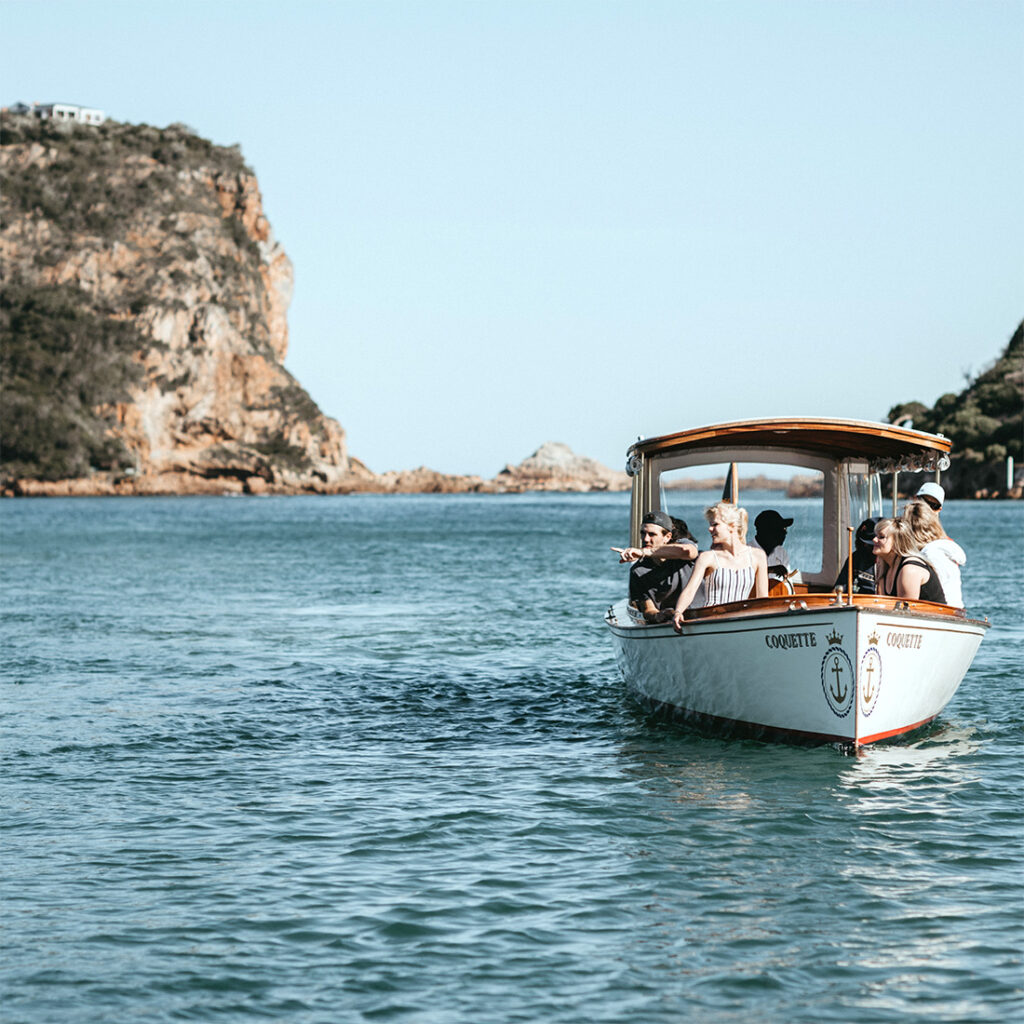 Picture of the Coquette boat that takes people on Knysna Heads Cruises